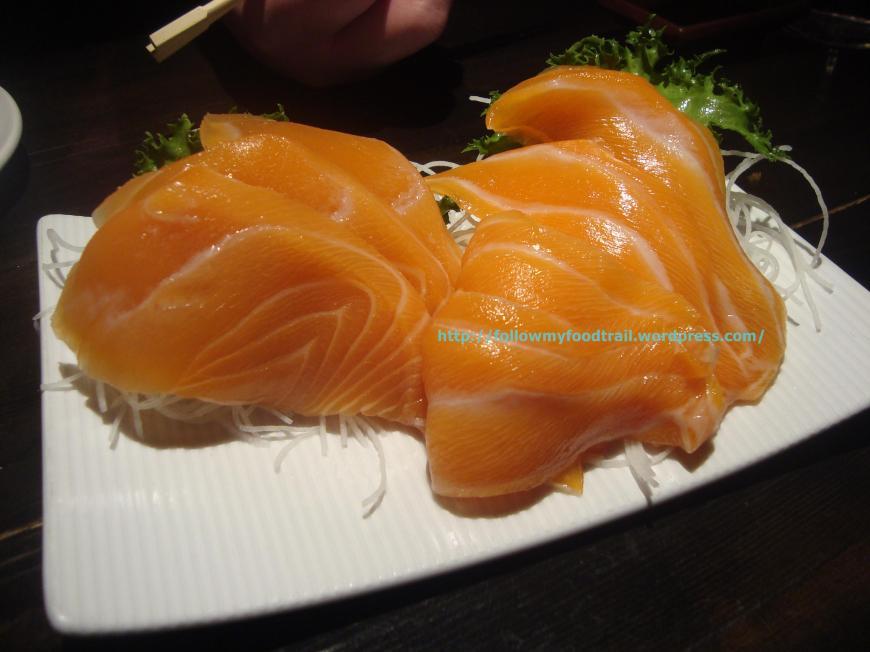 Shibuya - salmon sashimi (2)